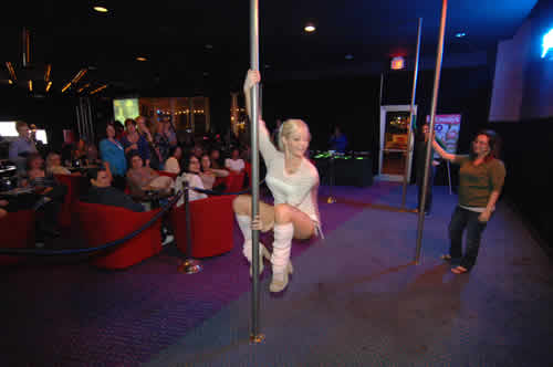 pole dance lesson